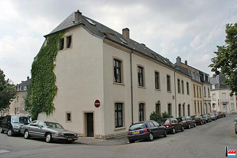 Manufacture de gants lippmann bonnevoie bonneweg for Bonnevoie piscine luxembourg