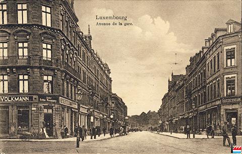 Grand Hotel In Der Avenue Paris